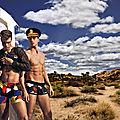 « Camouflage » ligne sexy avec les jumeaux « <b>Scott</b> » (+ vidéo)