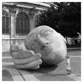 Statue pres de église saint eustache, parvis des Halles - Paris.