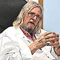 <b>Didier</b> <b>Raoult</b>, médecin ou gourou ?