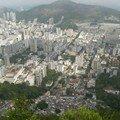 Rio, favelas en contre-bas