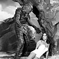 Julie adams n'en mene pas large