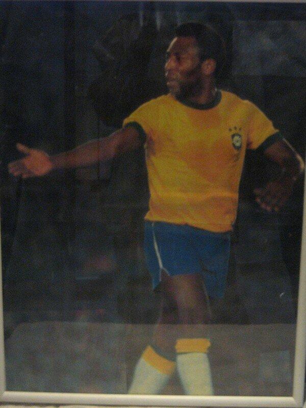 lors d un match, la sueur de Pele a forme un coeur sur son chandail...il paraitrait!