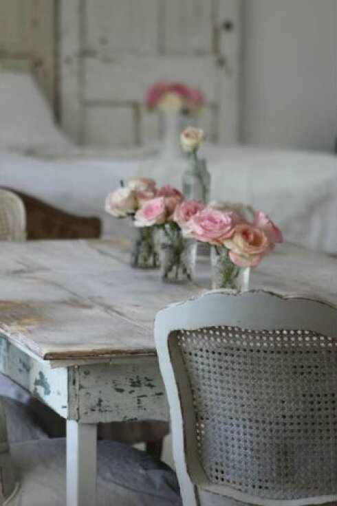table-shabby-chic-roses_1