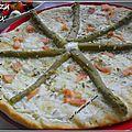 Pizza aux asperges et saumon