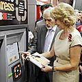 La première machine de prêt de livre gratuit dans une station de métro en espagne