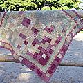 Petit plaid en laine teintée par mes soins