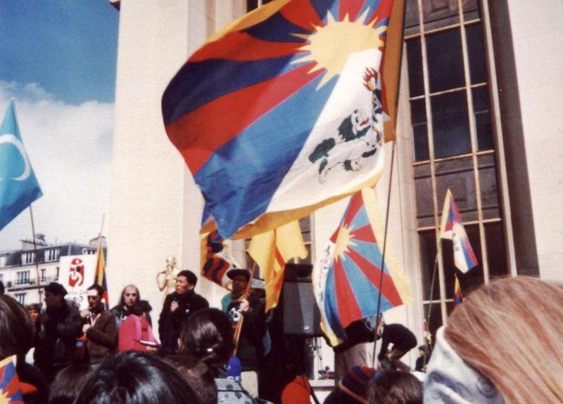 Intervention de Thoupten, représentant de la Communauté Tibétaine de France