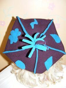 beret pointu turquoise et violet