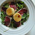 Salade chèvre pané et magret séché