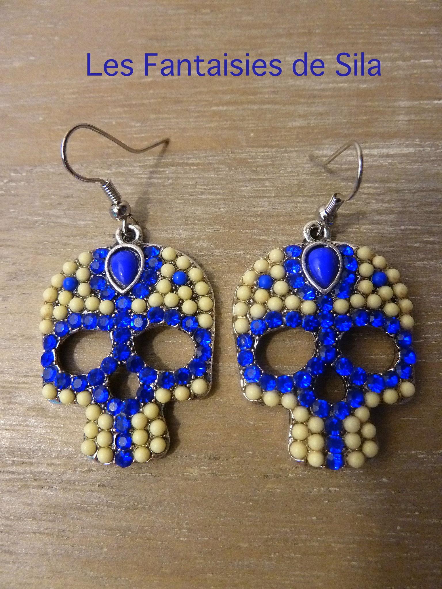 Skull & Strass bleu 25 euros