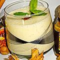 Smoothie de fruits avec du <b>gingembre</b>, du miel et de l'aloé vera