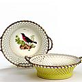 Paire de corbeilles circulaires en <b>porcelaine</b> <b>dure</b> de Sèvres datées 1792