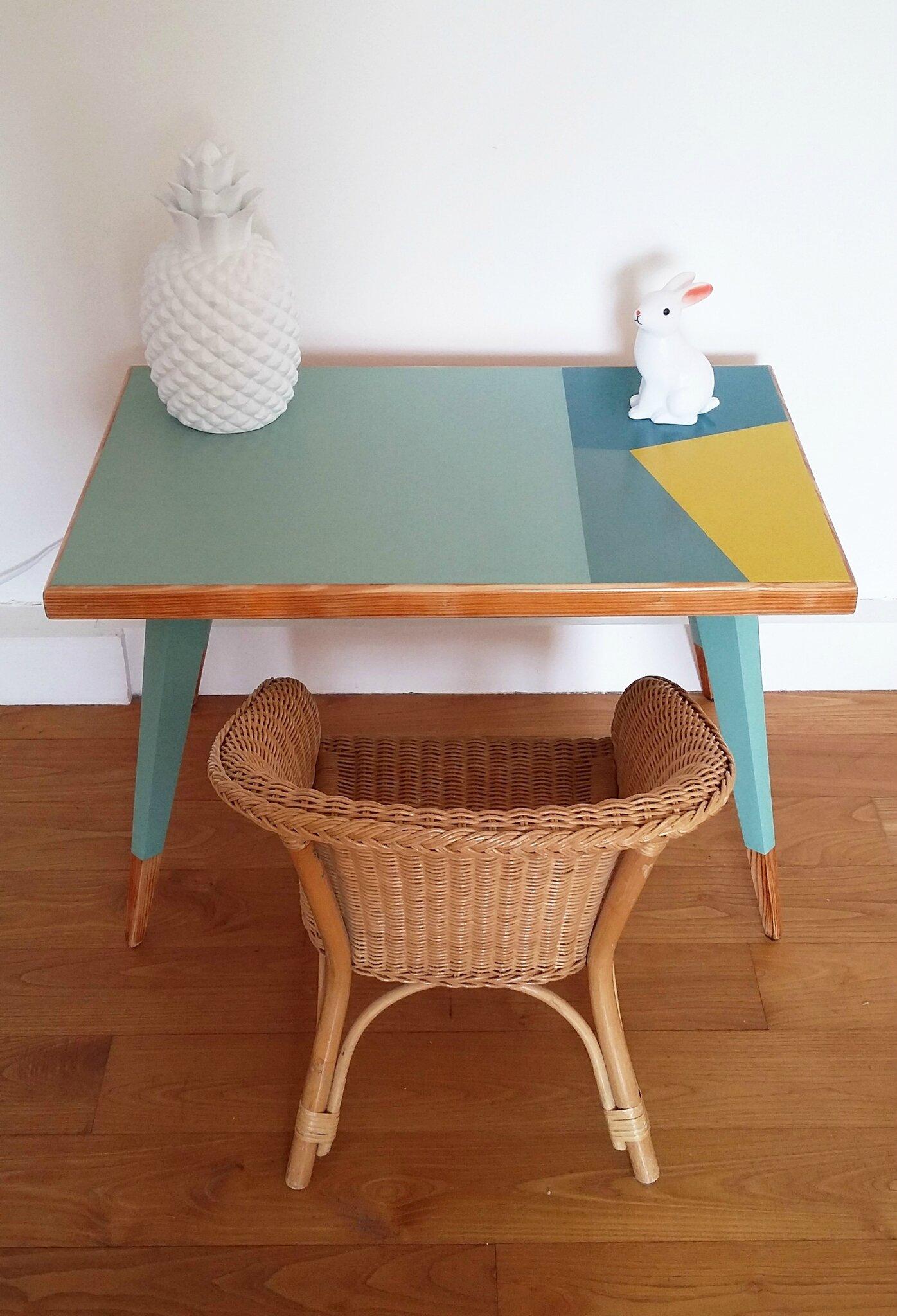 Petit bureau enfant ou table basse