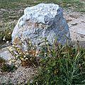 Petit rocher solitaire bord Etang de Berre