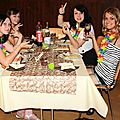 Barbara, Laura, Meg et Tatiana à table