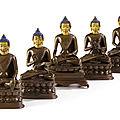 Ensemble de cinq statuettes de bouddha en bronze, tibet, xviiie-xixe siècle