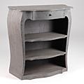 Meuble chic et travaillé, le meuble Amadeus Vendôme est tout en <b>patine</b> <b>grise</b>