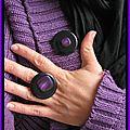 broche ronde noir et violette (Br8)