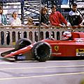 1989-Monaco-F1 89-Mansell-entre stands