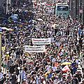 Des milliers de personnes manifestent à Berlin contre les mesures coronavirus