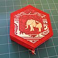 Boîte hexagonale à tiroir