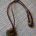 Bidouillages: collier pierre, porte manteau...cadeau poupée...dévanture