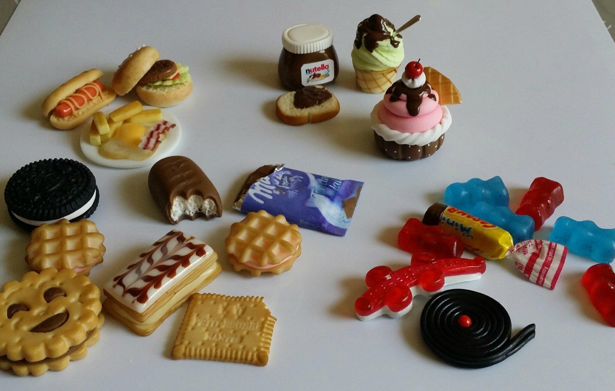 Miniatures gourmandes en porcelaine froide.