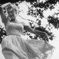 Mai 1957 Marilyn danse par Sam Shaw