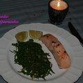 Papillote de saumon sur sa verdure de salicorne