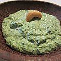 Pesto aux <b>fanes</b> de <b>radis</b> et noix de cajou
