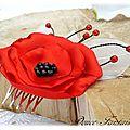 Peigne à <b>cheveux</b> fleur rouge et noir mariage <b>accessoire</b> de mariée