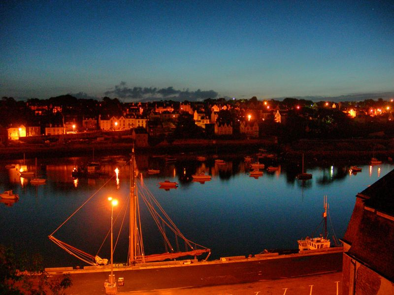 Audierne le port by night