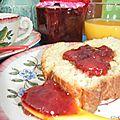 Confiture de fraises aux fleurs de sureau