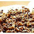 Miss tiny is overbooked: tarte soufflée à la rhubarbe et à la mûre, noisettes croquantes au caramel salé