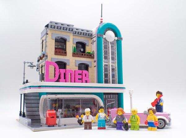 lego-creator-expert-10260-diner-modular-2018-3-600x446