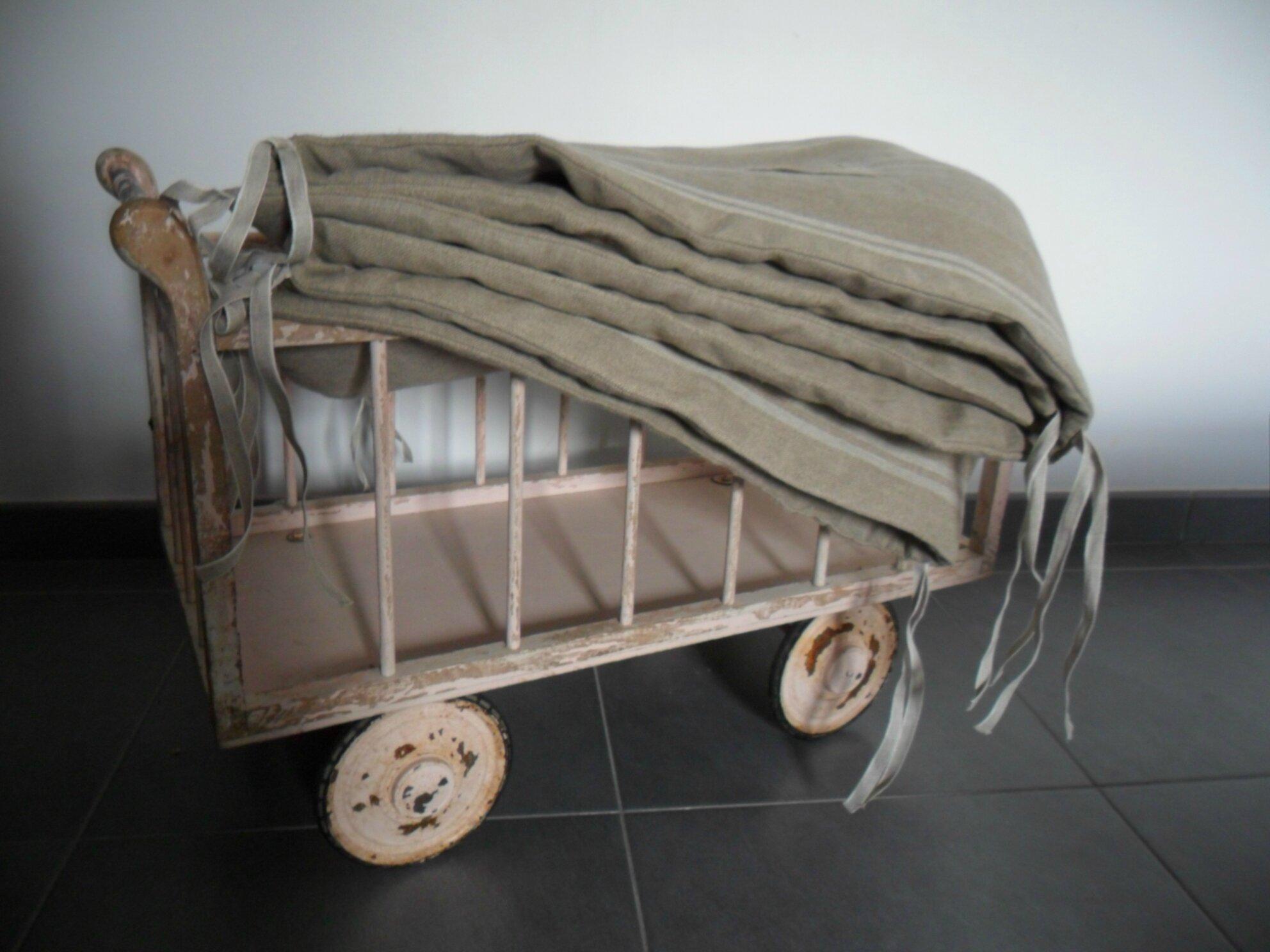 Tour de lit pur lin à p. 75€