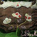 pochette fleurs appliquees_2