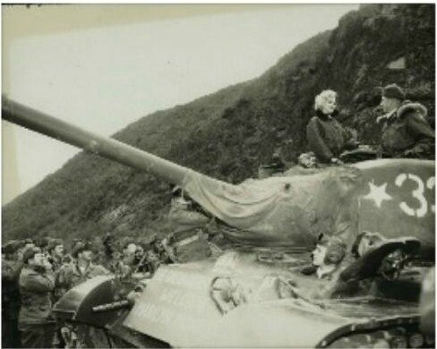 1954-02-17-korea-grenadier_palace-tank-011-1