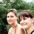 Les soeurs sur le Airboat ( Bâteau avec hélice d'hellicopter utilisé dans les marécages des Everglades, et pour les touristes pour aller voir la faune à l'état sauvage, monte à 35 miles/heure)