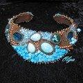 collier brodé bleu2600