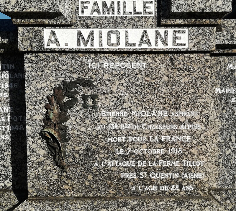 inscription stèle Étienne Miolane