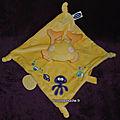 Doudou crabe plat jaune mots d'enfants,velours, www.doudoupeluche.fr