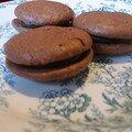 macarons tout chocolat...presque réussis!