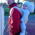 Que c'est beau un papa qui porte !!! En tous cas Gabriel appréci