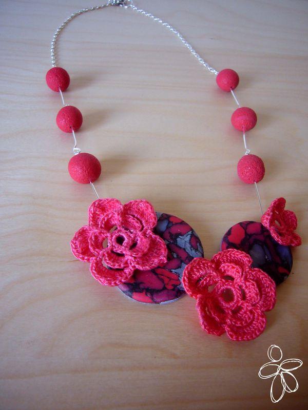 collier fleurs crochetées, pâte polymère copie
