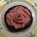 Bonne <b>St</b> <b>Valentin</b> avec cette rose à croquer.