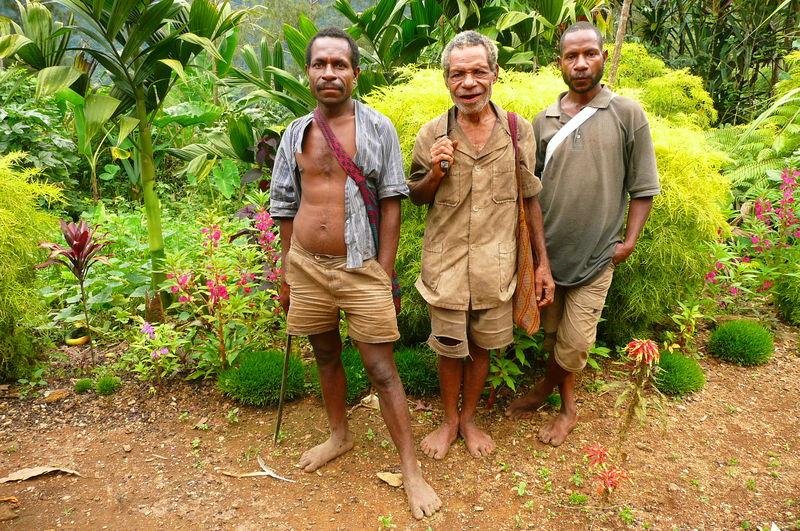 Les chefs du village