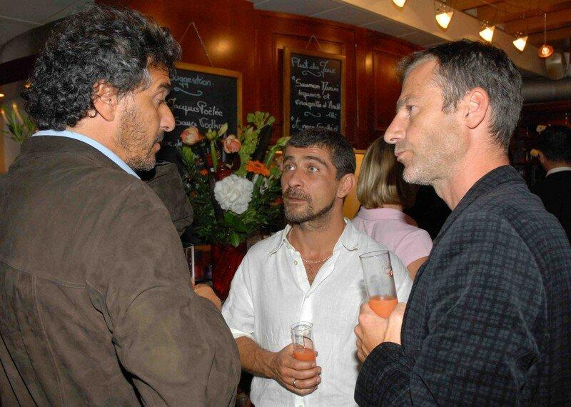 Daniel Levi, Thierry Ventouras (ex M6, directeur des variétés de la Télévision Suisse romande) ainsi qu'Ivan Frésard, producteur du Labo
