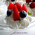 Mini-pavlovas aux fruits rouges, chantilly au limoncello