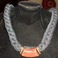Collier anthracite et pendentif bijoux